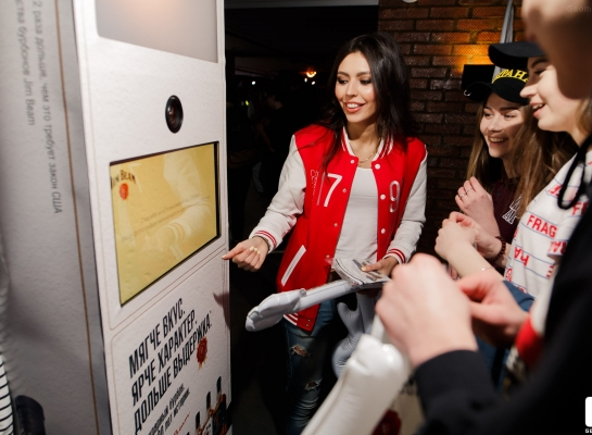 fotobudka-photohigh-dlya-jim-beam-little-big-004